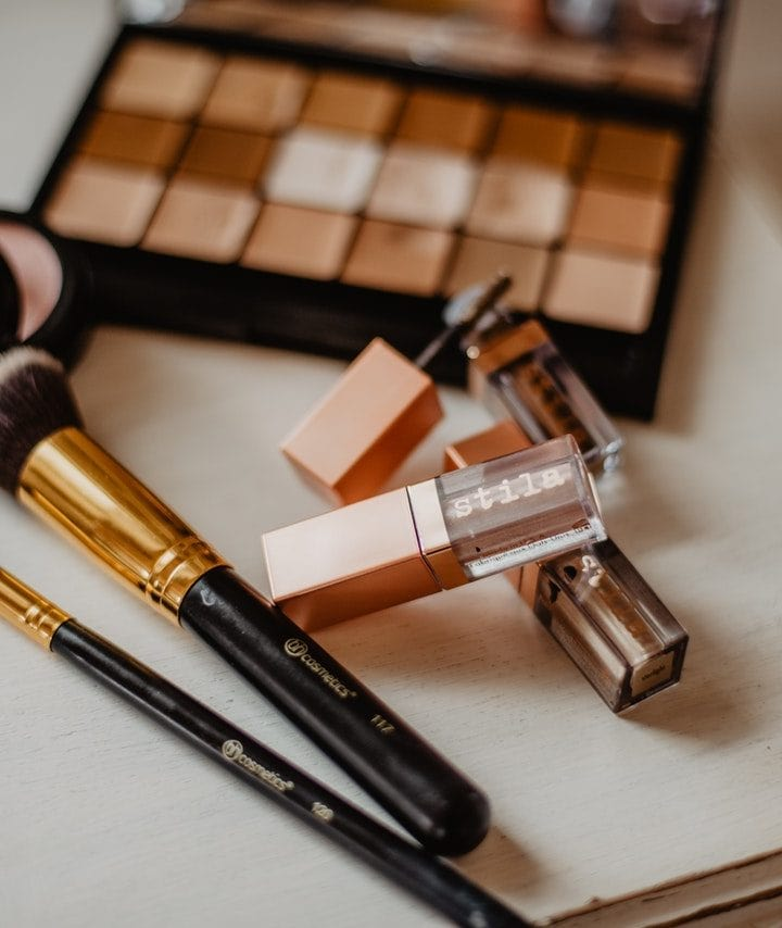How long does it take to do makeup?