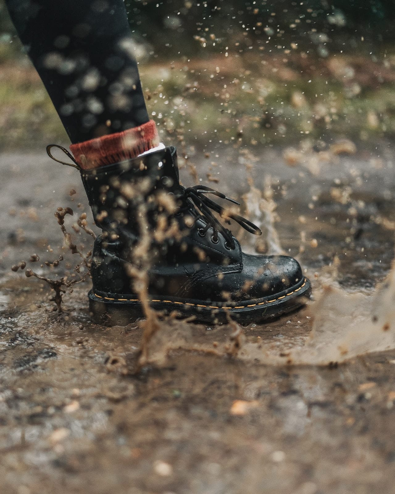 Leather boots in rain - How to protect and care for them?