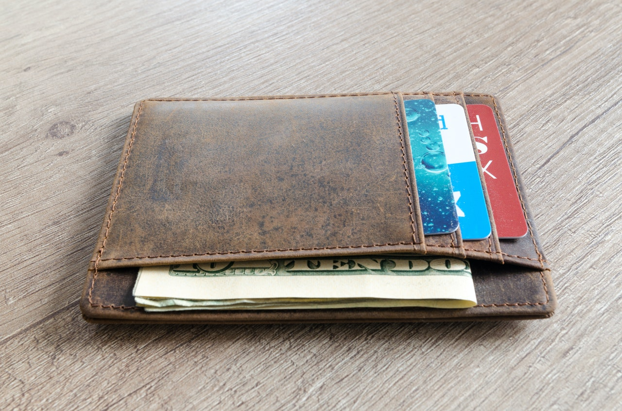 How long should your leather wallet last?