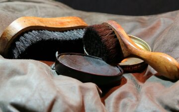 How to clean leather shoes (without leather cleaner)